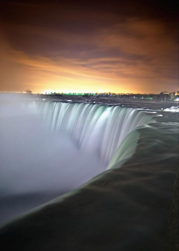 Gece Niagara Şelaleleri