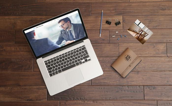 Free Macbook Pro PSD Mockup