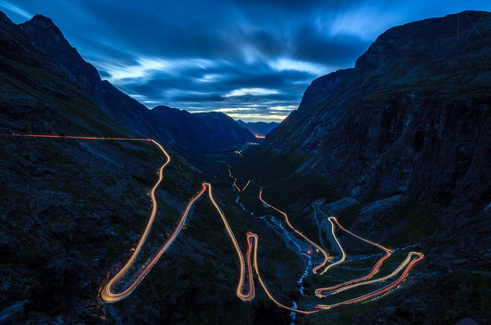 Trollstigen lights with perfect trails and composition